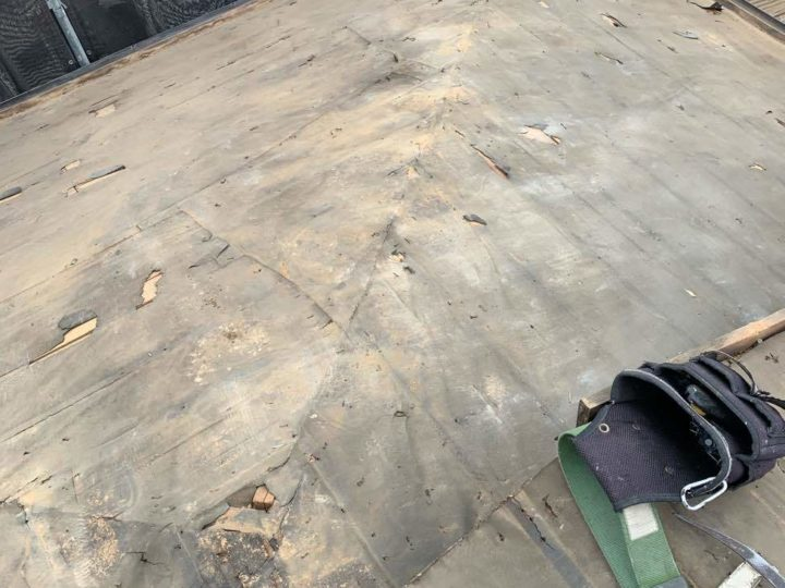 既存屋根瓦撤去後