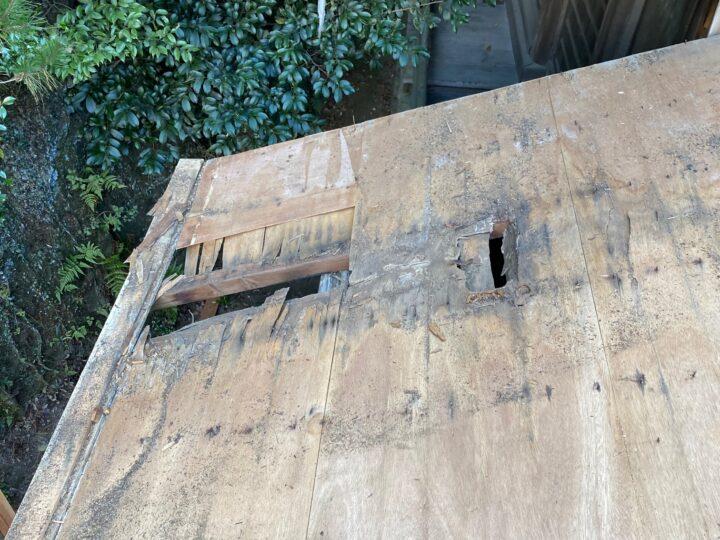 屋根時の穴