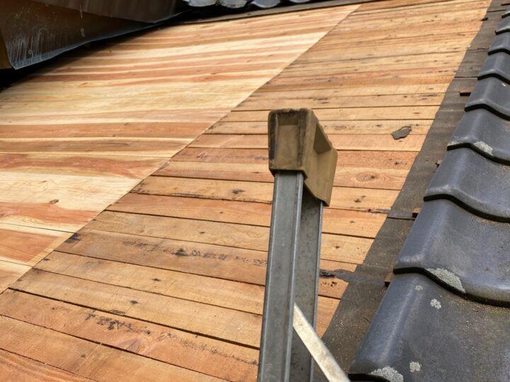 屋根地補修